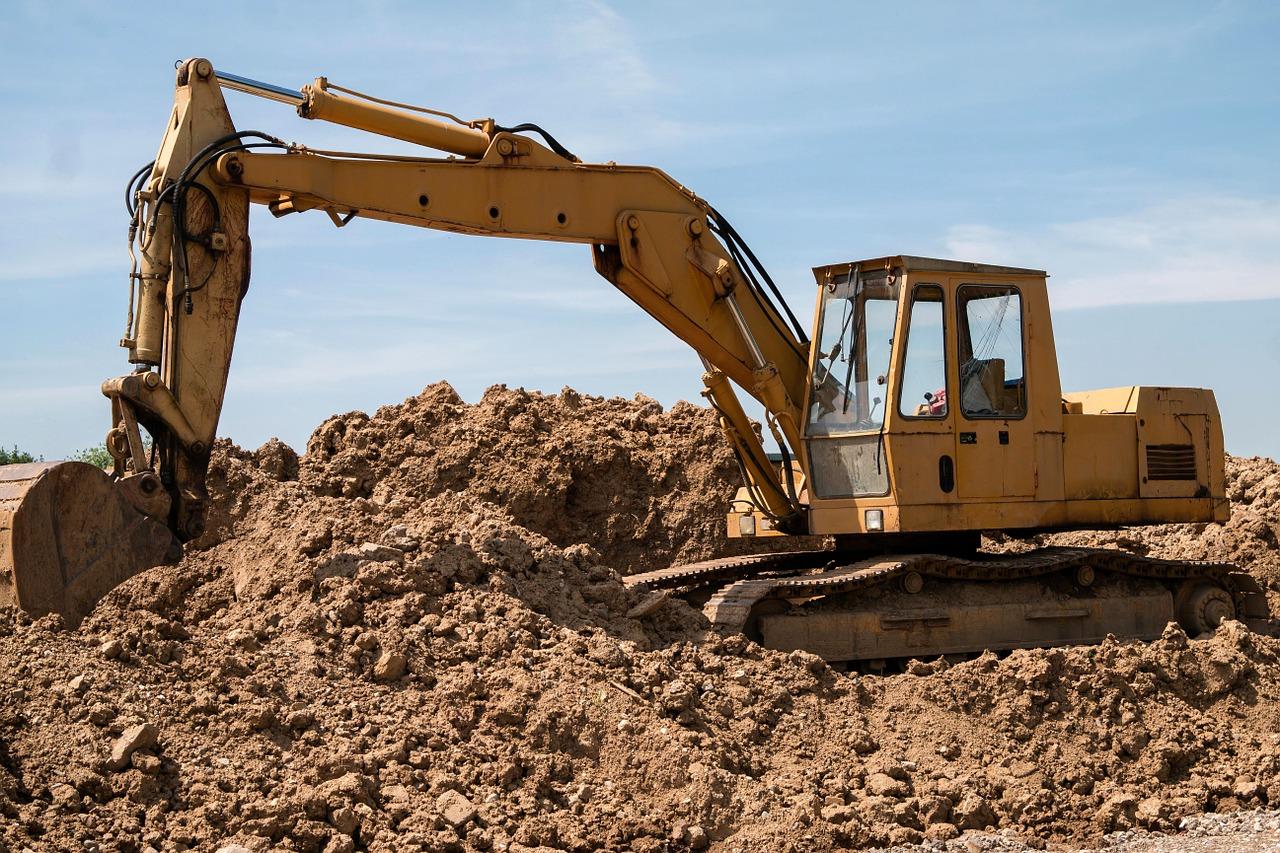 Pomocne maszyny na budowie – producent maszyn budowlanych. Serwis maszyn budowlanych – części zamienne