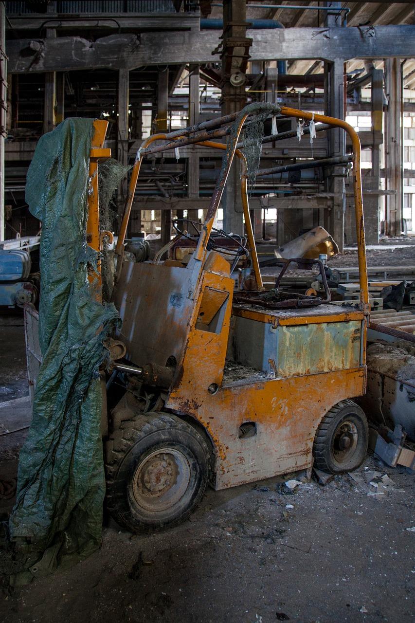 Sprzęt budowlany – części zamienne do wózków widłowych i maszyn budowlanych